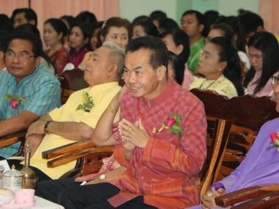 """ดร. มโน ชุนดี ผอ.สพป.ลพบุรี เขต 2 เป็นประธานในพิธีเปิดงานวันครู """" ครูไทยรักศิษย์ คิดพัฒนา """""""