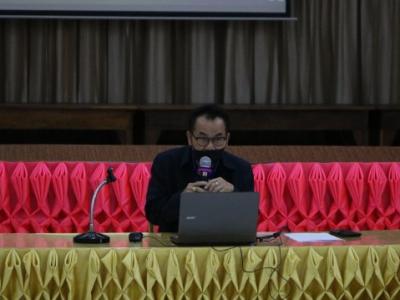 ดร. มโน ชุนดี ผอ.สพป.ลพบุรี 2 ได้ดำเนินการประชุมประธานกลุ่มโรงเรียนและประธานศูนย์เครือข่ายพัฒนาคุณภาพการศึกษา สพป.ลพบุรี เขต 2 ครั้งที่ 4/2564 เพื่อแจ้งข้อราชการและมอบนโยบาย ด้านการจัดการศึกษาในสถานการณ์การแพร่ระบาดโรคติดเชื้อไวรัสโคโรน่า 2019 (COVID-19)